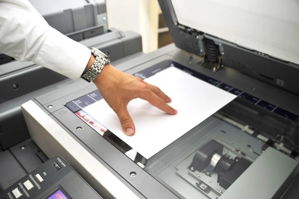Kiedy dzierżawa kserokopiarki to lepsza opcja niż zakup sprzętu?
